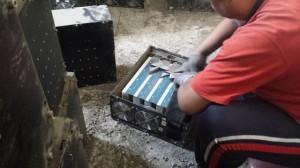 东北比特币矿场拆除旧挖矿机电源